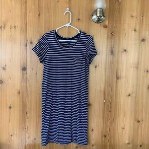 GAP navy blue & white striped dress 💡 size m